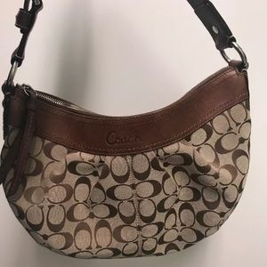 Coach women's shoulder bag size medium